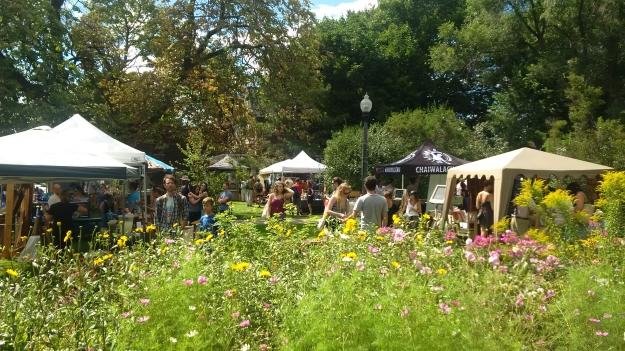 2016-08-21-Ashbridge-Estate-flea-market-flowers